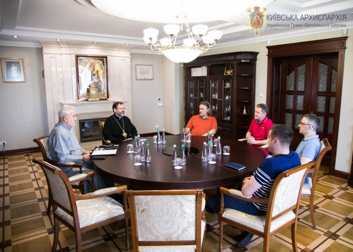 Глава УГКЦ зустрівся зі скульпторами іконостаса Патріаршого собору