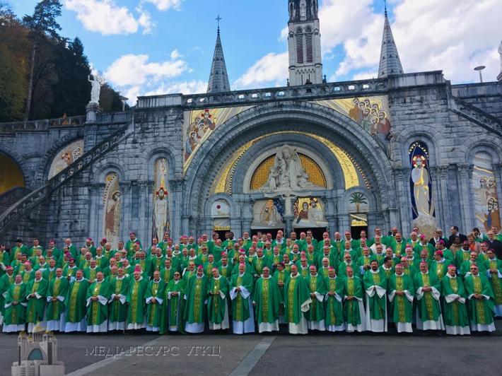 Владика Борис бере участь у Конференції Католицьких Єпископів Франції