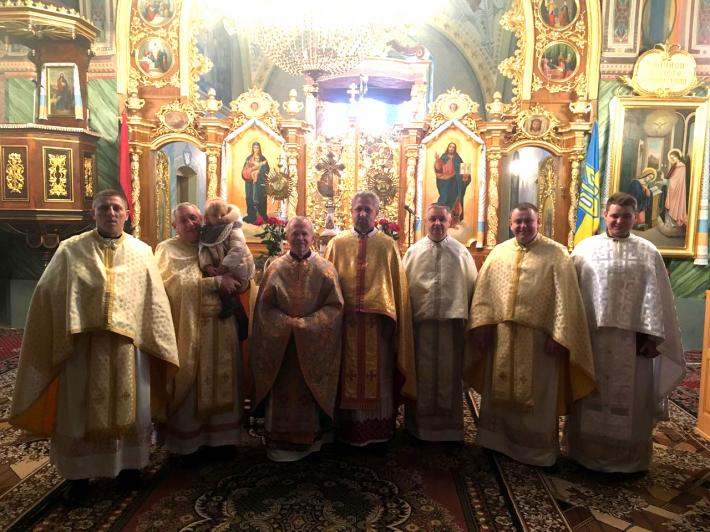 У Добрянському деканаті Стрийської єпархії напередодні Різдва зустрічаються священичі родини