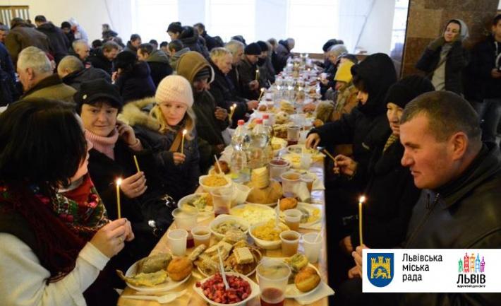 Львів'яни готують різдвяну гостину для близько 300 потребуючих