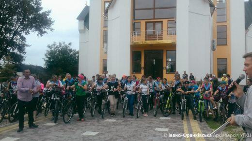 До Богородиці на велосипеді: прочани з Голиня організували велопробіг до Крилоса