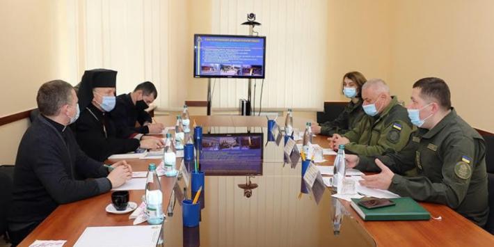 «Ми спільно працюємо для України» –  владика Михайло Колтун відвідав Західне територіальне управління НГУ