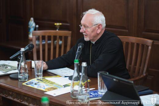 Стала відомою програма Всеукраїнської патріаршої прощі до Крилоса