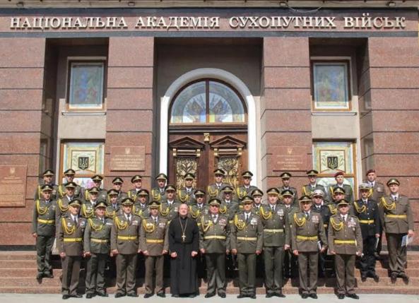 Військовий капелан Степан Сус поблагословив випуск військовослужбовців Національної академії сухопутних військ