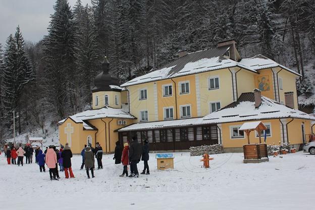 Центр опіки сиріт організувала третій етап Різдвяної школи