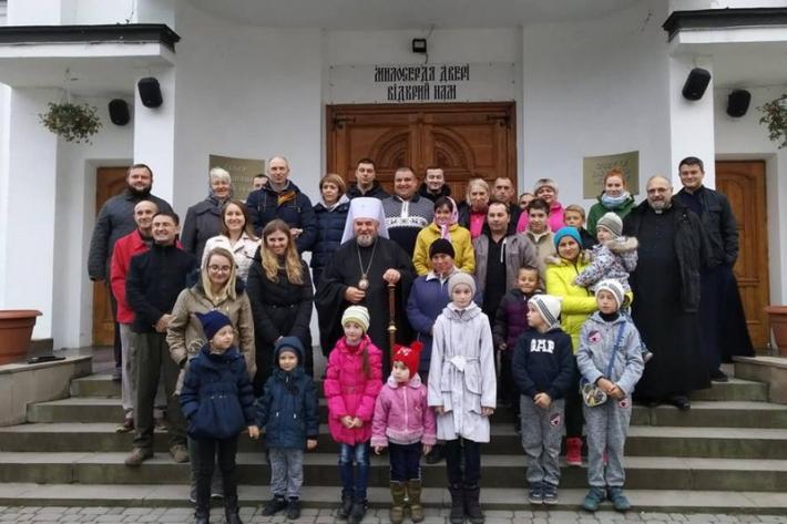 Митрополит Василь (Семенюк) зустрівся з військовими, які перебувають на реабілітації у Зарваниці