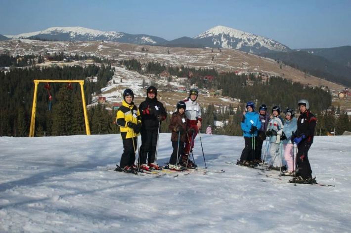Чернеча Родина Воплоченого Слова організувала поїздку дітей з Донеччини у Карпати