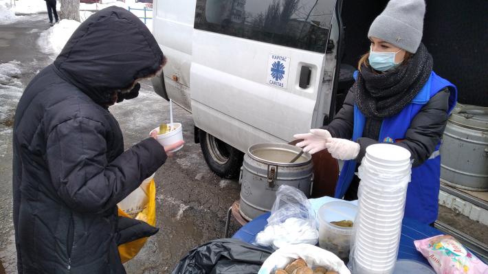 «Карітас-Київ» просить допомоги у харчуванні потребуючих та безпритульних