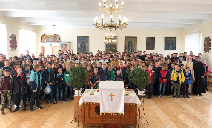 Понад двісті п'ятдесят юнаків взяли участь у Х З'їзді вівтарних дружин Стрийської єпархії