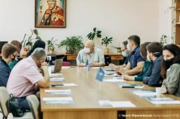 В Івано-Франківській академії Івана Золотоустого відбувся круглий стіл «Україна-НАТО»