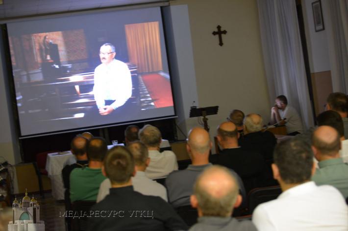 Владикам Синоду Єпископів УГКЦ презентували документальний фільм про українську еміграцію в Італії