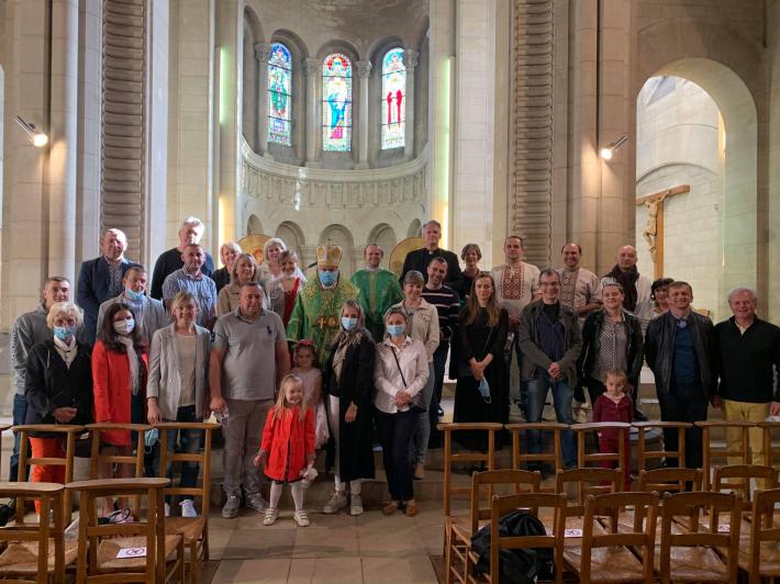 У свято П'ятдесятниці вперше відслужили Божественну Літургію на новій місійній станиці поблизу Парижа