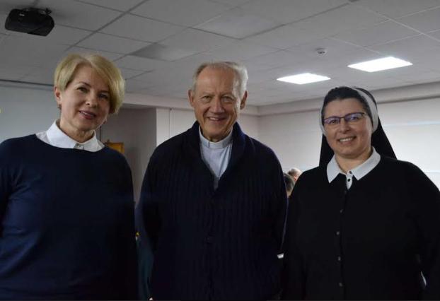 Як супроводжувати важкохворих та осіб, що пережили втрату, львівських студентів навчав італійський священник