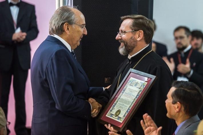 Блаженніший Святослав вручив патріарші грамоти фундаторам і жертводавцям УКУ