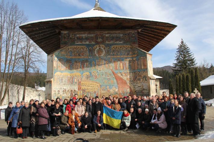 Єпарх Чернівецький вперше очолив паломництво святинями Румунії та помолився в українських парафіях