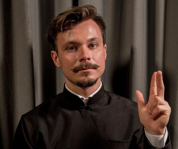 «Мова жестів – моя біологічна мова», - диякон Олег Плішило