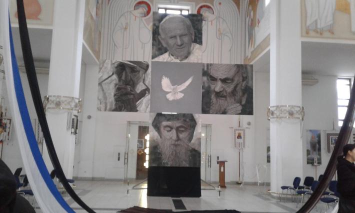 У Львові презентували унікальне полотно, присвячене медикам