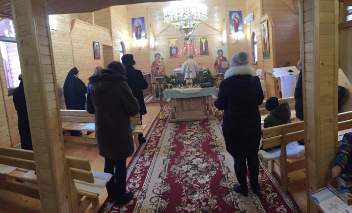 На різдвяні свята владика Степан Меньок завітав до Приморська