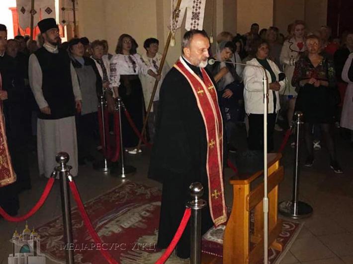 У львівському архикатедральному соборі Святого Юра з митрополитом молилися вервицю