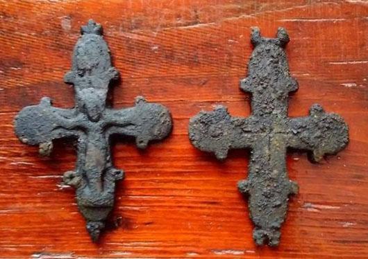 На Львівщині у підлозі храму знайшли артефакт ХІІ-ХІІІ ст