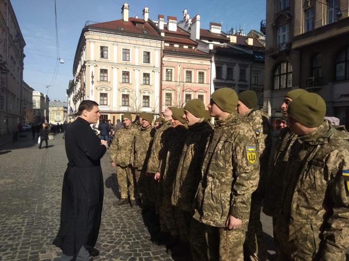 Військовослужбовцям служби правопорядку Львова розповіли про служіння отців-капеланів