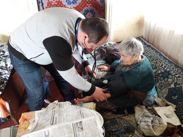 Домашня опіка в буферній зоні: допомога та підтримка від Карітасу