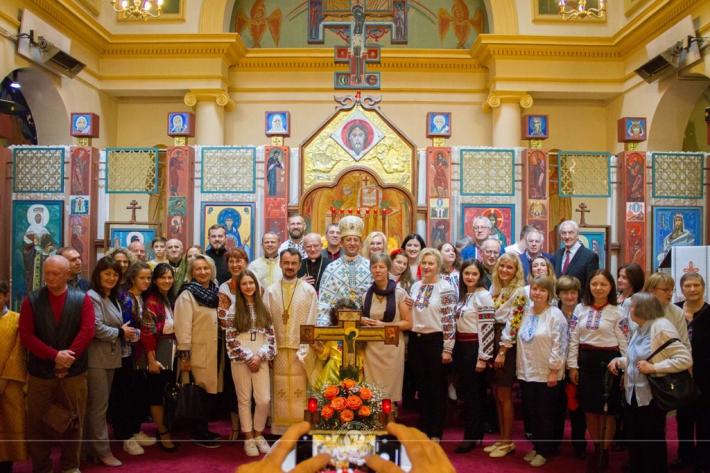 У катедрі Святого Володимира Великого в Парижі попрощалися з парохом, який служив у цьому храмі понад двадцять років