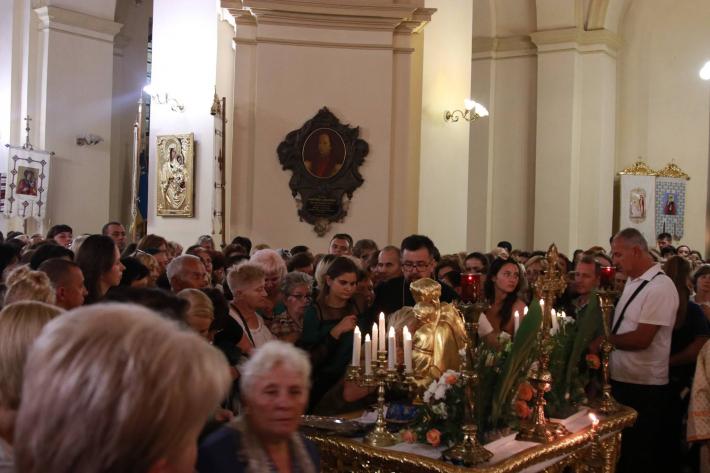 До Львова привезли мощі святого Антонія