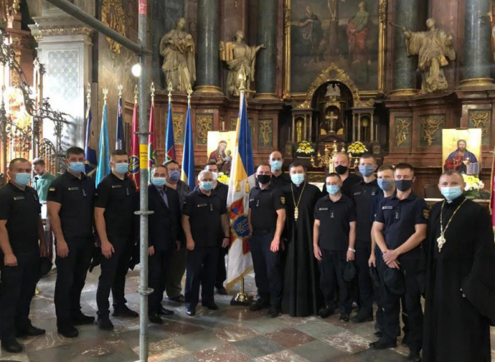 У гарнізонному храмі Львова відтепер перебуватиме прапор Державної служби України з надзвичайних ситуацій