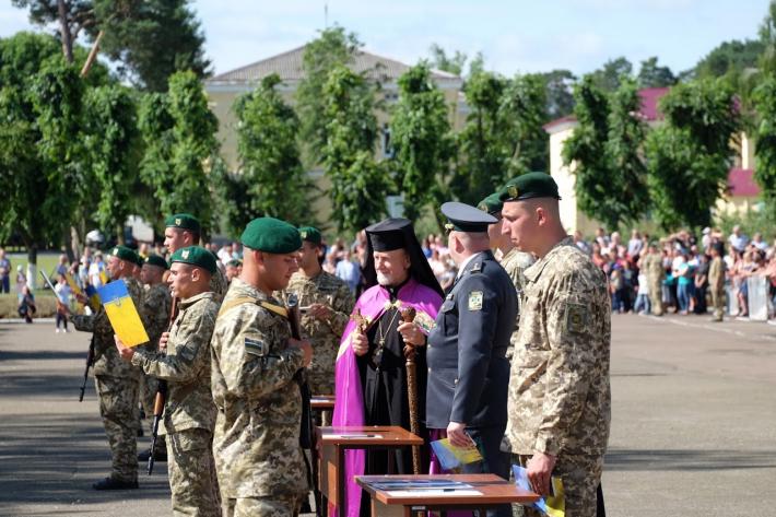 Владика Михайло (Колтун) взяв участь у церемонії складання присяги на вірність українському народові у Великих Мостах