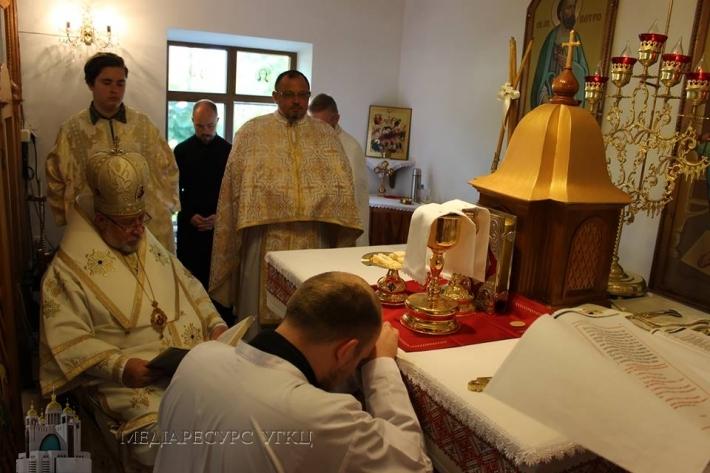 У Запоріжжі владика Степан (Меньок) уділив дияконські свячення. Новопоставлений диякон служитиме в Донецьку