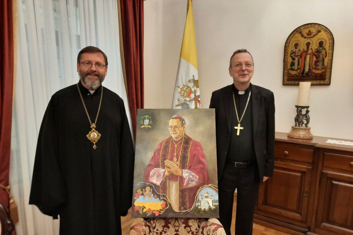 «Дивлячись на цей подарунок, буду думати про вас і про Україну», — архиєпископ Клаудіо Ґуджеротті до владик УГКЦ