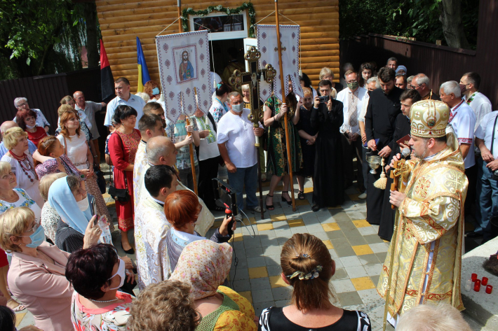 У Чернівцях закладено наріжний камінь під будівницво храму УГКЦ Преображення Господнього