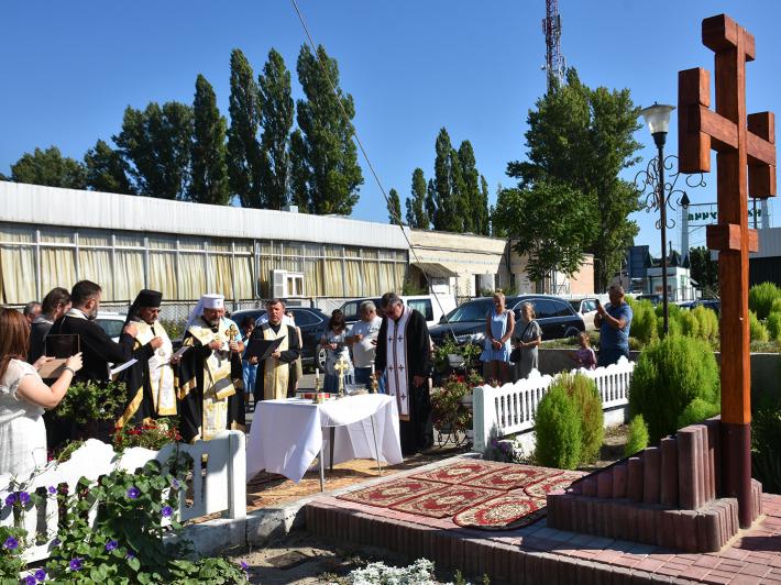 Глава УГКЦ освятив наріжний камінь під будівництво першого храму УГКЦ у Затоці