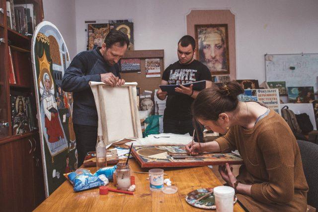 Студенти-іконописці презентували виставку «Бойківська ікона. Діалог»