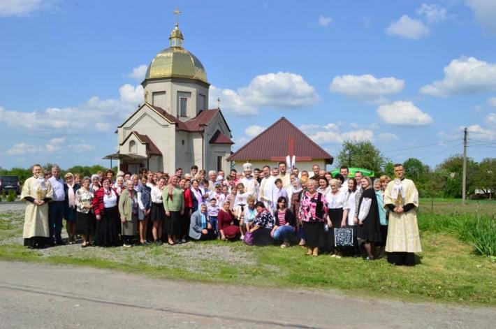 Владика Богдан Дзюрах молився з вірними парафії с. Щітки