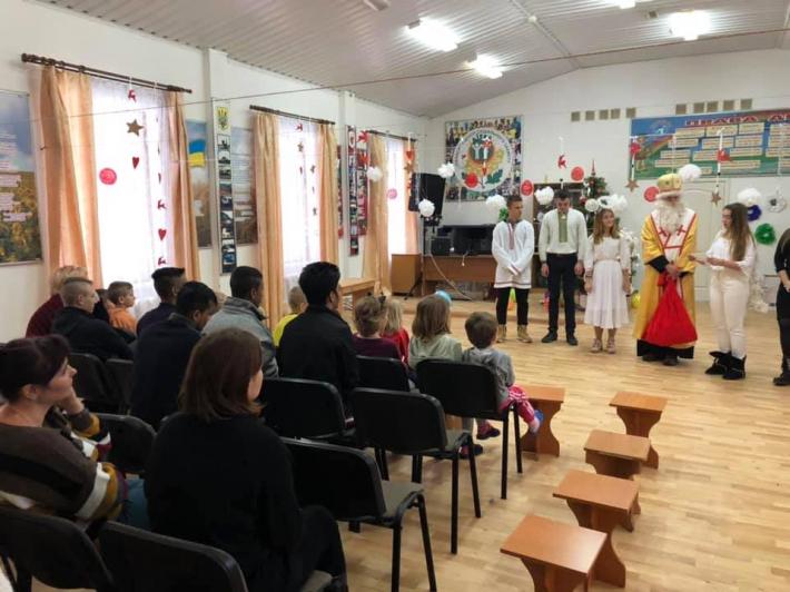 Полтавські греко-католики та студенти Української академії лідерства влаштували свято для дітей центру реабілітації та дитячого притулку