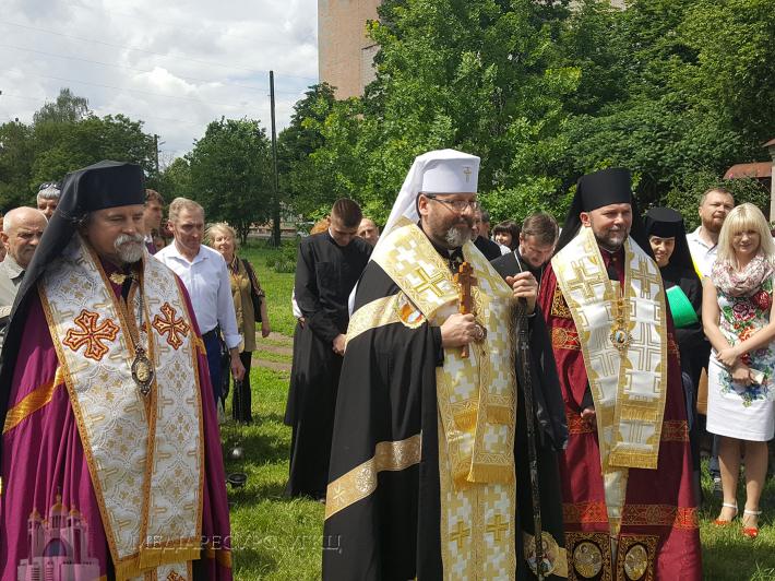 Глава УГКЦ освятив у Полтаві наріжний камінь під спільний автокефальний і греко-католицький храм