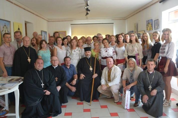 Владика Василь (Івасюк) поблагословив відкриття виставки «Мистецький собор» у Коломиї
