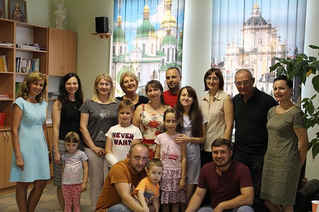 Сім'ї воїнів АТО творять дружну Христову родину