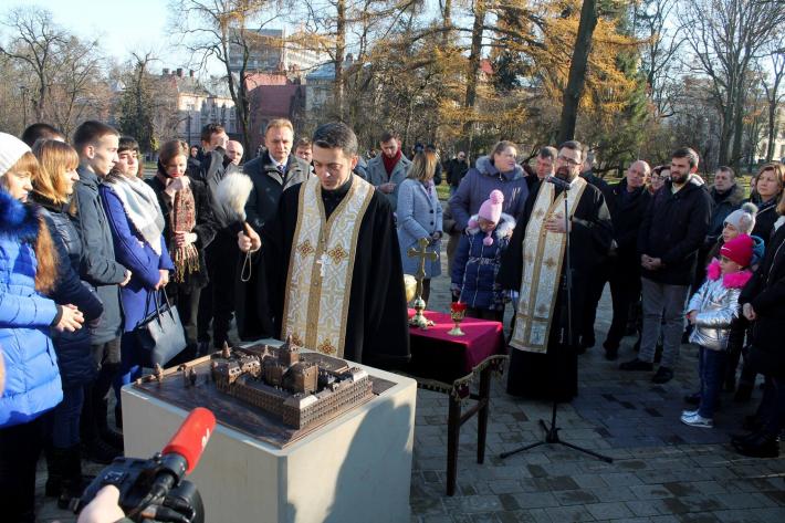 Бронзовий макет Свято-Юрського комплексу став доповненням проекту «Львів на долонях»