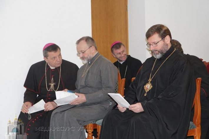 «В Україні Католицька Церква дихає двома легенями − двох традицій», – враження єпископів від реколекцій у Брюховичах