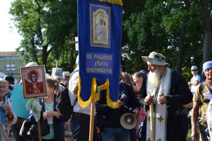 Близько 1 100 прочан вирушили зі Львова до Унева