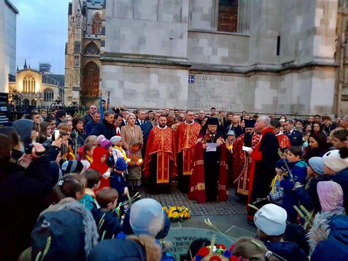 Українці Лондона вшанували жертв Голодомору