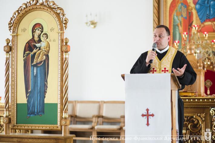 Розпочалася віднова духа для священнослужителів Івано-Франківської архиєпархії