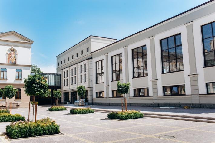 У новому навчальному році для учнів гімназії імені Василія Великого запрацюють сучасні їдальня та спортивний зал