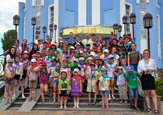 У Вінниці понад 60 дітей взяли участь у християнському таборі «Веселі канікули з Богом»