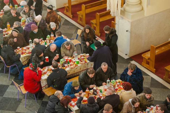 У Львові проведуть великий Різдвяний обід з безхатченками