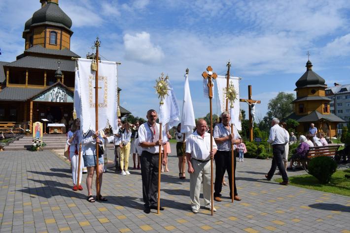 У Дрогобичі відсвяткували десятиліття храму Священномучеників Северина, Якима і Віталія