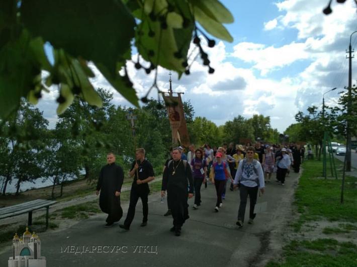 До cобору Вишгородської Богородиці прибули паломники з усієї України